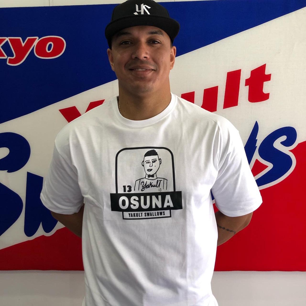 オスナ選手自画像プリントTシャツ